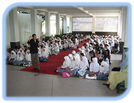 Pelatihan ESQ siswa putri